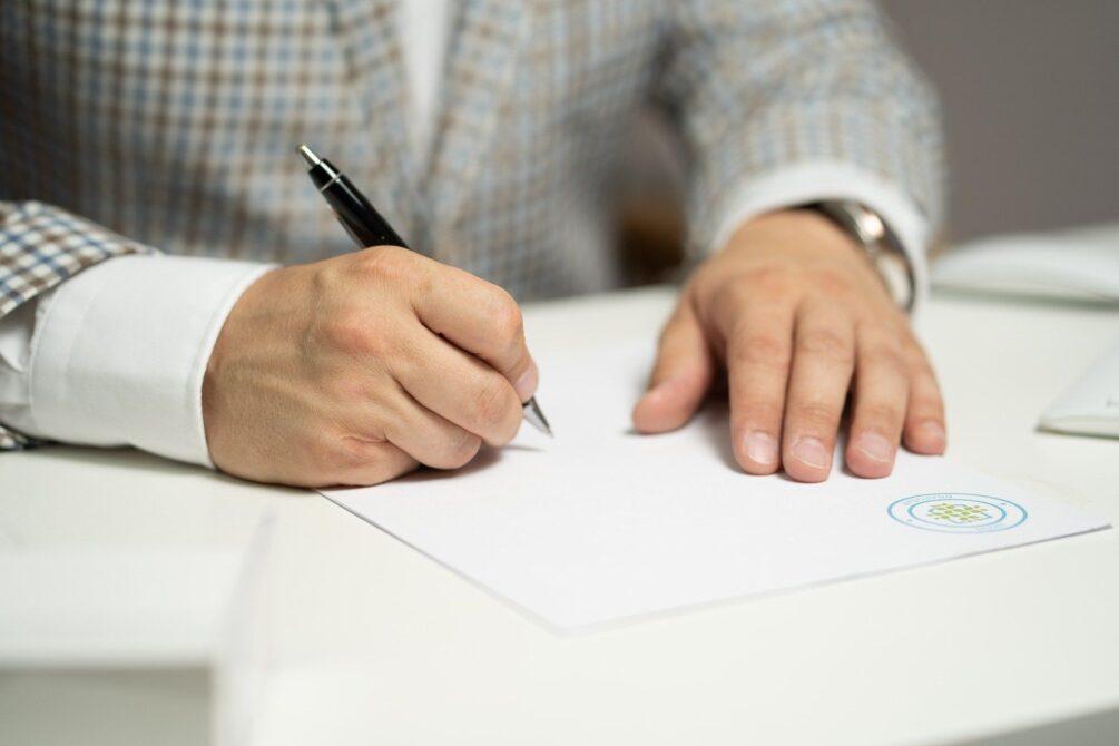 Czytelnicy pytają, ekspert odpowiada: notarialna umowa przedwstępna